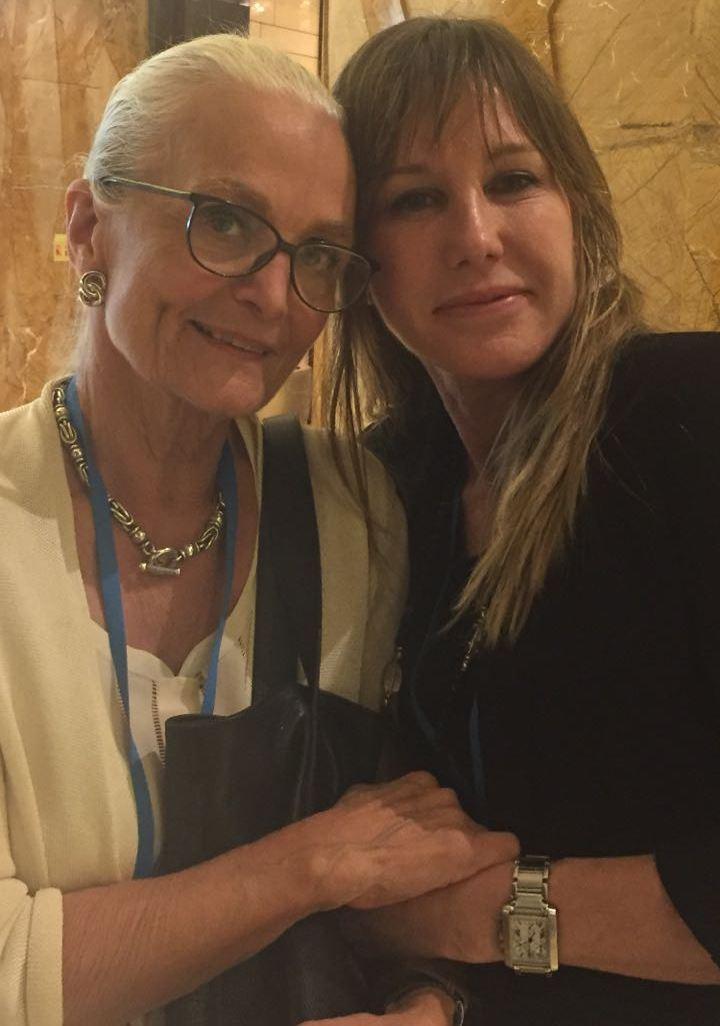 Despedida en parís: la Dra.Valotta y su maestra Firmin trabajan juntas por última vez